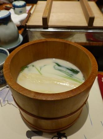 """Teoke Yuba (yuba en """"soupe"""" de lait de soja à la mizuna)"""